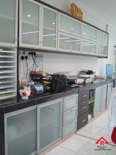 Reliance Home aluminum cabinet Aluminum Kitchen Cabinets, Kitchen Cabinet Door Styles, Aluminium Kitchen, Modern Kitchen Cabinets, Glass Cabinet Doors, Kitchen Bar Design, Pantry Design, Home Decor Kitchen, Interior Design Kitchen