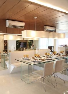 imagem45 Dinning Table, Dining Area, Kitchen Dining, Kitchen Decor, Home Design Plans, Plan Design, Sweet Home, Dinner Room, Interior Decorating