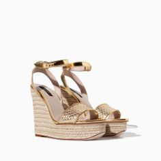 Image 2 of PYTHON-EMBOSSED LEATHER WEDGE from Zara