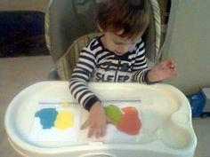 Ziploc painting. Mess-free! Perfect for my 18 month old.