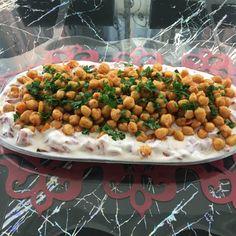 Kichererbsensalat-Rezept mit Joghurt - Food and drink - Snack Recipes, Dinner Recipes, Dessert Recipes, Turkish Recipes, Ethnic Recipes, Chickpea Salad, Diet And Nutrition, Chana Masala, Summer Recipes