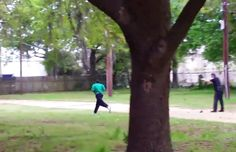 Police officer Michael Slager (right) is seen shooting Walter Scott in the back in this still image from video in North Charleston, South Carolina on April Police Officer Shot, Police Chief, South Carolina Police, North Carolina, Police Tactics, Rodney King, Michael Thomas, Dancehall Reggae, African American Men