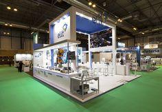 Diseño, producción y montaje del stand de QNV. COOC Alternativa de Diseño.