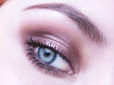 Makeup Geek's Nightlife Pigment look by szafkaaa