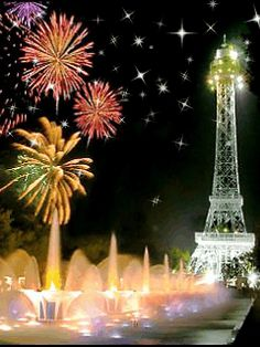 The Eiffel Tower.and fireworks at Kings Island. Happy New Year Wishes, Happy New Year 2019, New Year Greetings, Happy Year, Kings Island, July Holidays, Nouvel An, Fourth Of July, July 14th