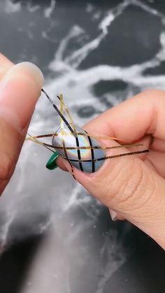 Nail polish inspo and tutorial on short nails nails pindiscovery for more pins Nail Art Designs Videos, Nail Design Video, Nail Art Videos, Nail Polish Designs, Cute Nail Designs, Acrylic Nail Designs, Gel Polish, Nail Art Hacks, Nail Art Diy