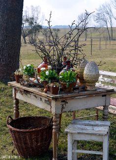 Arte Del Giardino arşivleri - Italia Deco Home Trends Flower Garden Pictures, Lawn Care Tips, Pot Plante, Easter Table Decorations, Small Backyard Gardens, Diy Porch, Rustic Gardens, Garden Art, Garden King