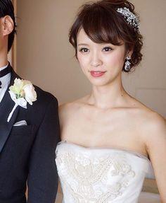 担当/yuudai make up / @maison.de.rire_make_up 式から日が経ってもしっかりと覚えてます 最近ごお問合わせが混雑しておりご返信にお時間がかかる場合がございます。 必ずご返信致しますので少し気長にお待ちください Best Bridal Makeup, Bride Makeup, Graduation Hairstyles, Bride Hairstyles, Hair Arrange, Japanese Hairstyle, Wedding Hair Inspiration, Wedding Hair Accessories, Bridal Style