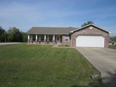 Looking for a great floor plan? Well this 2006 3 bedroom 2 bath home has what your looking for. Nice large windows to let the natural light in , wide hallway and large bathrooms. Easy to clean tile kitchen floor with a nice size pantry, laundry room off the kitchen. But wait there's more. All newer appliances plus washer and dryer stay with the home. All this in a quiet neighborhood on a corner lot. It's a must see home in Gassville AR