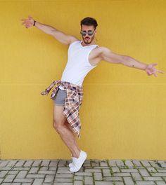 Men style, outfit men, men shorts, white t-shirt, men fashion, men summer look
