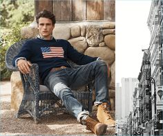 POLO Ralph Lauren places the spotlight on its iconic fashions for fall-winter Key items such as its flag sweater receive a modern update via fresh… Polo Ralph Lauren Sweatshirt, Preppy Boys, Preppy Style, Preppy Mens Fashion, Boy Fashion, Fashion Shoot, Boys Dressing Style, Polo Outfit, Boys Wear