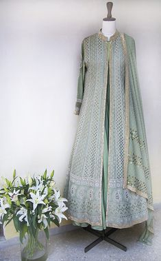 Indian Wedding Wear, Indian Party Wear, Indian Designer Suits, Indian Fashion Designers, Party Wear Dresses, Event Dresses, Pakistani Outfits, Indian Outfits, Gharara Designs