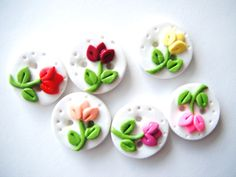 Items similar to Button Teeny Tiny Tulips handmade polymer clay buttons ( 6 ) on Etsy Polymer Clay Flowers, Fimo Clay, Polymer Clay Charms, Polymer Clay Art, Handmade Polymer Clay, Polymer Clay Earrings, Clay Projects, Clay Crafts, Biscuit