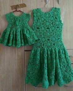 Baby dress crochet english ideas for 2019 Crochet Girls Dress Pattern, Sundress Pattern, Crochet Jumper, Knit Crochet, Toddler Dress, Baby Dress, The Dress, Crochet Party Dresses, Crochet Clothes