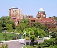 Loyola University Chicago - The Jesuit university in Chicago, U. Could it get any better than this! What an awesome education.Um, the answer is NO, it doesn't get any better than a Jesuit education. Loyola University Chicago, Lakefront Property, College Campus, College Life, Chicago River, My Kind Of Town, Chicago Illinois, Beautiful Buildings, Places