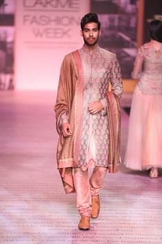 Suit by Shantanu and Nikhil. Mens Indian Wear, Mens Ethnic Wear, Indian Groom Wear, Indian Men Fashion, Indian Bridal Fashion, Wedding Outfits For Groom, Indian Wedding Outfits, Wedding Men, Indian Outfits