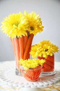 Make use of beautiful Easter flower arrangements to dress up your house ahead of the Easter festival. Find out-of-the-box flower arrangement ideas here. Easter Flower Arrangements, Easter Flowers, Flower Centerpieces, Table Centerpieces, Flower Decorations, Floral Arrangements, Table Decorations, Carrot Flowers, Easter Colors