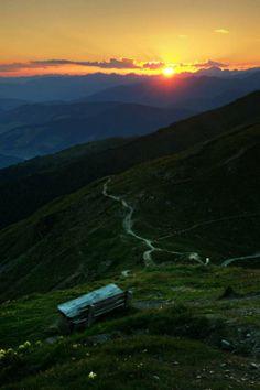 Sundown in the Alps, Sillianer Huette  - http://earth66.com/rural/sundown-alps-sillianer-huette/