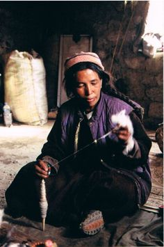 Ladakh spinner.  *See* Hand-Spinning for Traditional Garments in Ladakh by Tracy P. Hudson at digitalcommons.unl.edu/cgi/viewcontent.cgi?article=1100&context=tsaconf