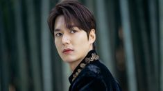 Lee min ho (the king- eternal monarch) Drama Korea, Korean Drama, Lee Min Ho Smile, Lee Min Ho Dramas, Lee Min Ho Photos, Kim Go Eun, New Actors, Korean Artist, Minho
