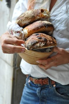 This reminds me that I'm so lucky to have a man who bakes bread.  Yup, he's a keeper.     .  #bohemian #decor #rustic