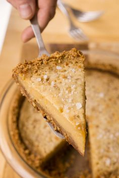 Salted Honey Pie - David Lebovitz Use pretzel crust Salted Honey Pie, Salted Butter, Peanut Butter, Just Desserts, Dessert Recipes, Gluten Free Pretzels, Pretzel Crust, How To Make Pie, Pie Crust Recipes