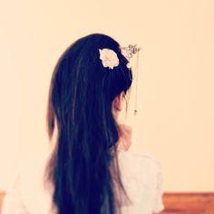 Pic à chignon japonais fleurs de cerisiers couleur bronze, esprit geisha, et perle chinoise rose. : Accessoires coiffure par mes-tites-lilis