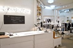 Snickarbacken 7, a beautiful café, exhibition space and a concept store all in one.