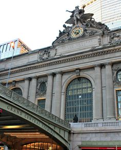 Grand Central Station is a gorgeous train station architecturally but also makes me smile because it means I get to spend some time in one of my favorite cities!! Where is your favorite station? -------------------#happenedupon #newyork_instagram #mycityworld #pictures_of_newyork #what_i_saw_in_nyc #nyobsession_feature #newyork_mycity #newyork_world #unitedstatesnewyork #narcitynewyork #NBCnework #ABC7NY #CBSnewyork #nyc #newyorkcity #trainstation #grandcentral #grandcentralstation…