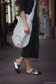 #birkenstock #shoes #pleated #skirt #polkadot #skirt #casual #look