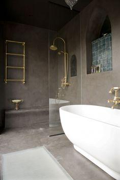 Small bathroom in stuc