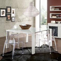 Adios a los espacios pesados: muebles de acrílico