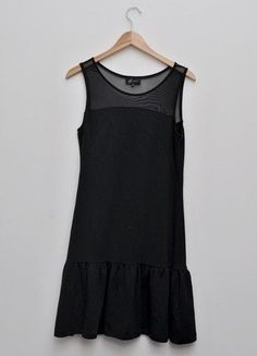Kup mój przedmiot na #vintedpl http://www.vinted.pl/damska-odziez/krotkie-sukienki/15414836-czarna-sukienka-reserved-rozmiar-m