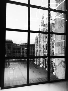Milan. View of Duomo from '900 Museum
