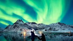 Australian man proposes to girlfriend under stunning Northern Lights display  | abc7.com