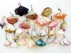 Lyndie Dourthe: Day Flowers