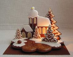 Today we are looking at Moravian and Bohemian gingerbread designs from the Czech Republic. Back home, gingerbread is eaten year round and beautifully decorated cookies are given on all occasions. Gingerbread Village, Christmas Gingerbread House, Gingerbread Cake, Cookies Fondant, Royal Icing Cookies, Cupcake Cakes, Christmas Cupcakes, Christmas Desserts, Christmas Baking