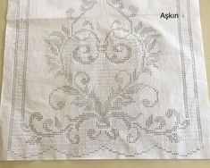 Desen Embroidery Patterns, Crochet Patterns, Filet Crochet Charts, Crochet Curtains, Pants Pattern, Crochet Flowers, Doilies, Needlework, Diy And Crafts