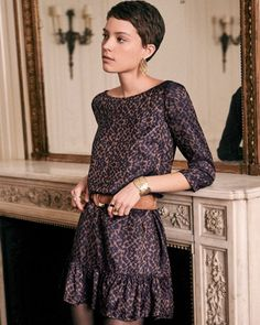 Whenever I'm in a style rut, I look to my ultimate style icons for inspiration. Shop our top picks below and get your french girl fashion on this winter. Feminine Pixie Cuts, Short Hair Cuts, Short Hair Styles, Very Short Pixie Cuts, Super Short Hair, Pixie Outfit, Girls Winter Fashion, Pixie Hairstyles, Haircuts