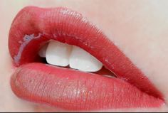 1 Layer Rhubarb #LipSense, 1 Layer Pomegranate LipSense, 1 Layer Dawn Rising LipSense, Topped with Bougainvillea LipSense Gloss