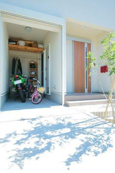 【アイジースタイルハウス】ガレージ。バイク用のインナーガレージはご主人のお気に入りの場所