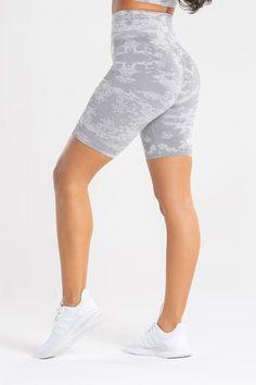 All-over jacquard camo pattern Plain Tops, Intense Workout, Cycling Shorts, Sport Shorts, Sport Wear, Ladies Day, Workout Shorts, Amazing Women, Camo