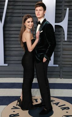 Ansel Elgort and Violetta Komyshan from 2018 Vanity Fair Oscars After-Party The cute duo coupled up at the Vanity Fair party after attending the 2018 Oscars. Ansel And Violetta, Ansel Elgort And Violetta Komyshan, Celebrity Couples, Celebrity Gossip, Celebrity Style, Cute Couples Goals, Couple Goals, Movie Previews, Famous Couples