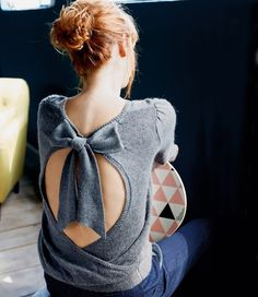 I'm still obsessed with knitwear, and I'm still obsessed with the colour grey, so it would stand to reason that I'm ALSO obsessed with this grey bow-back sweater by La Redoute, wo…