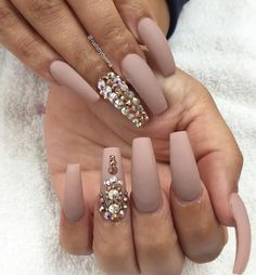 Nude Nailz with Bling