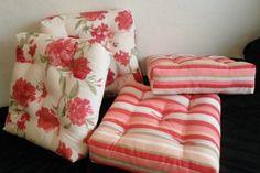 How to make futon pillows step by step (Gold Needle Lace .- Como fazer almofadas futon passo a passo (Agulha de ouro Ateliê) How To Make Futon Pillows Step By Step Ikea Futon, Ikea Sofa, Futon Chair, Futon Mattress, Pillows, Chair Pads, Throw Pillow, Metal Futon, Diy Bed
