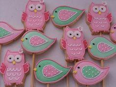 receita biscoitos decorados Bird Cookies, Cute Cookies, Yummy Cookies, Cupcake Cookies, Sugar Cookies, Cookie Sticks, Candy Party, Royal Icing Cookies, Macaron