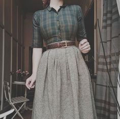 This is how I want to dress everyday. This with dark lipstick and booties.