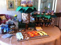 Jungle cupcake stand  Cannoli / tiramisu  cupcakes