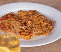 Hiltl: Vegan Züri-Geschnetzeltes und vegane Weine Pork, Magazine, Meat, Chicken, Food Food, Kale Stir Fry, Pigs, Magazines, Pork Chops